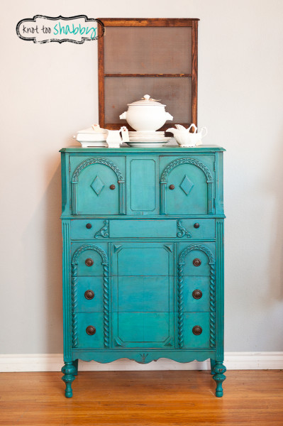 DIY Chalk Paint Furniture Ideas With Step By Step Tutorials - Peacock Blue Antique Dresser - How To Make Distressed Furniture for Creative Home Decor Projects on A Budget - Perfect for Vintage Kitchen, Dining Room, Bedroom, Bath #diyideas #diyfurniture
