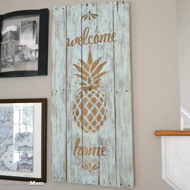 DIY Pallet sign Ideas -Pineapple Wooden Welcome Art - Upcycled Pallet Art Cool Homemade Wall Art Ideas and Pallet Signs for Bedroom, Living Room, Patio and Porch. Creative Rustic Decor Ideas on A Budget