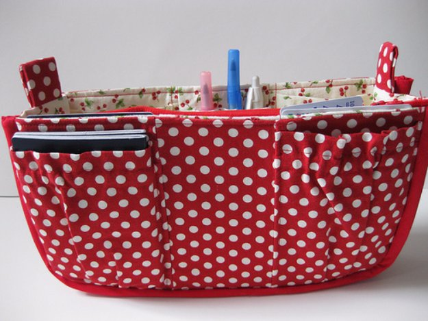 DIY Sewing Gift Ideas for Adults and Kids, Teens, Women, Men and Baby - Purse Organizer - Cute and Easy DIY Sewing Projects Make Awesome Presents for Mom, Dad, Husband, Boyfriend, Children #sewing #diygifts #sewingprojects