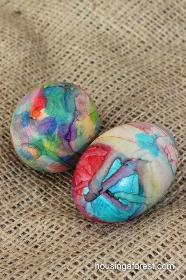 Easter Egg Decorating Ideas - Sharpie Tie Dye Easter Eggs - Creative Egg Dye Tutorials and Tips - DIY Easter Egg Projects for Kids and Adults