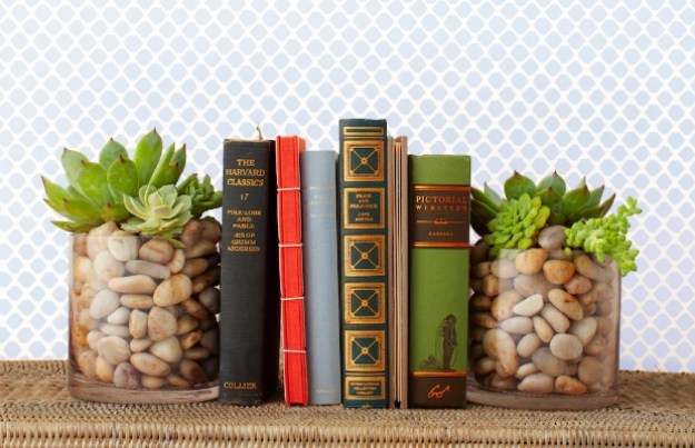 Succulents Crafts and DIY Projects - Succulent Bookends - How To Make Fun, Beautiful and Cool Succulent Cactus Wedding Favors, Centerpieces, Mason Jar Ideas, Flower Pots and Decor #crafts #succulents #gardening