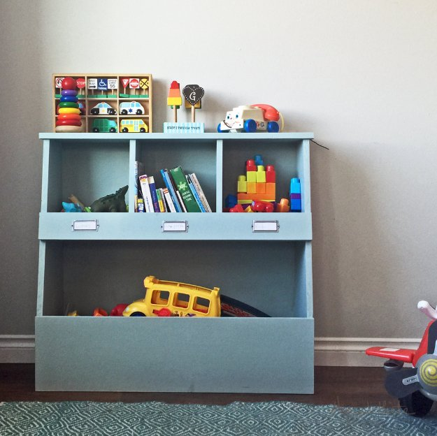 DIY Storage Ideas - Toy Storage Bin Box with Cubby Shelves - Home Decor and Organizing Projects for The Bedroom, Bathroom, Living Room, Panty and Storage Projects - Tutorials and Step by Step Instructions for Do It Yourself Organization http://diyjoy.com/diy-storage-ideas-organization