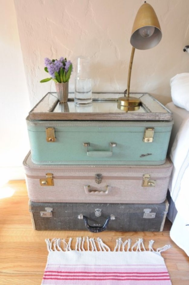 Brilliant DIY Decor Ideas for The Bedroom - Vintage Settee Side Table - Rustic and Vintage Decorating Projects for Bedroom Furniture, Bedding, Wall Art, Headboards, Rugs, Tables and Accessories. Tutorials and Step By Step Instructions