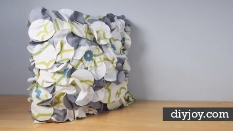 Crafty Throw Pillow Made From Fabric Scraps | DIY Joy Projects and Crafts Ideas | Ways To Reuse Fabric Scraps