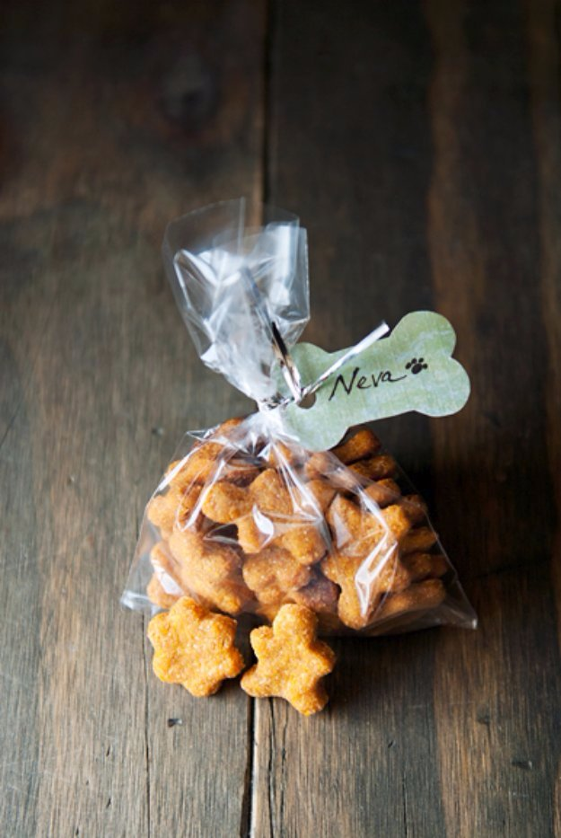 DIY Pet Recipes For Treats and Food - Chicken Sweet Potato Dog Treats Recipe - Dogs, Cats and Puppies Will Love These Homemade Products and Healthy Recipe Ideas - Peanut Butter, Gluten Free, Grain Free - How To Make Home made Dog and Cat Food