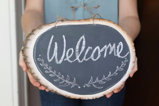 DIY Home Decor Projects for Summer - DIY Chalkboard Welcome Sign - Creative Summery Ideas for Table, Kitchen, Wall Art and Indoor Decor for Summer