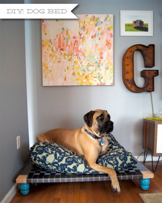 DIY Dog Beds - DIY Dog Bed for Large Breeds - Projects and Ideas for Large, Medium and Small Dogs. Cute and Easy No Sew Crafts for Your Pets. Pallet, Crate, PVC and End Table Dog Bed Tutorials #pets #diypet #dogs #diyideas