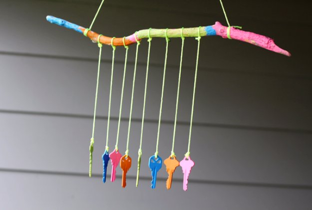 DIY Ideas to Get Your Backyard Ready for Summer - DIY Key Wind Chime - Cool Ideas for the Yard This Summer. Furniture, Games and Fun Outdoor Decor both Adults and Kids Will Enjoy