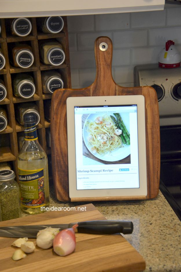 Creative DIY Mothers Day Gifts Ideas - DIY Kitchen iPad Holder - Thoughtful Homemade Gifts for Mom. Handmade Ideas from Daughter, Son, Kids, Teens or Baby - Unique, Easy, Cheap Do It Yourself Crafts To Make for Mothers Day, complete with tutorials and instructions http://diyjoy.com/diy-mothers-day-gift-ideas