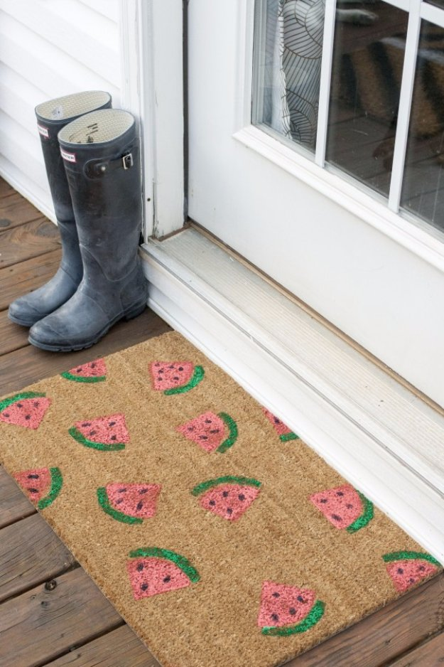 DIY Home Decor Projects for Summer - DIY Stamped Watermelon Welcome Mat - Creative Summery Ideas for Table, Kitchen, Wall Art and Indoor Decor for Summer