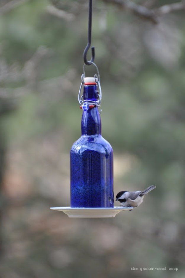 DIY Ideas for Your Garden - DIY Wine Bottle Bird Feeder - Cool Projects for Spring and Summer Gardening - Planters, Rocks, Markers and Handmade Decor for Outdoor Gardens