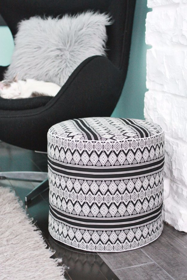 Fabulous DIY Poufs and Ottomans - Drum Floor Pouf DIY - Step by Step Tutorials and Easy Patterns for Cool Home Decor. Crochet, No Sew, Leather, Moroccan Boho, Knit and Fun Fur Projects and Chair Ideas #diy #diyfurniture #sewing