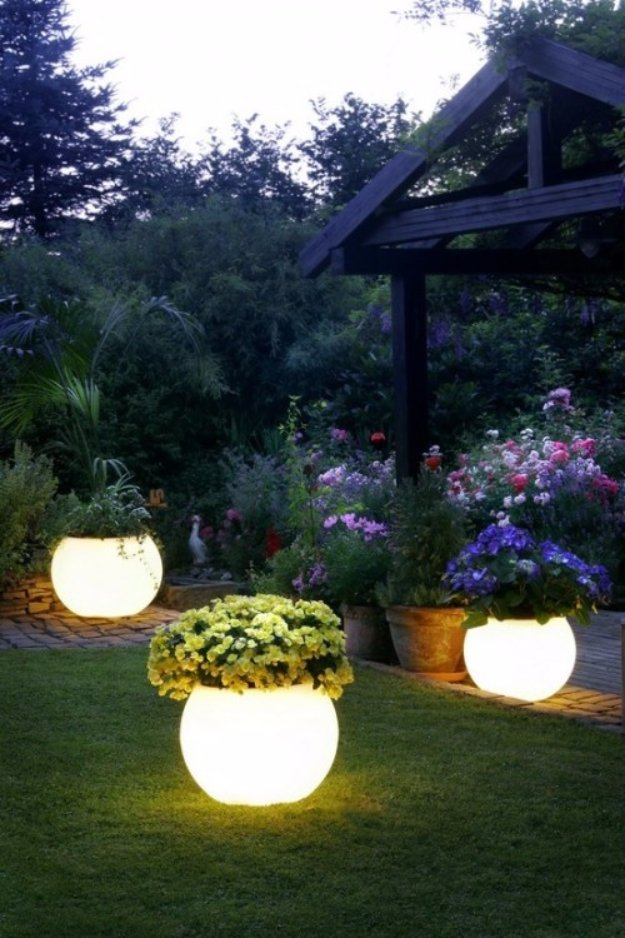 DIY Ideas to Get Your Backyard Ready for Summer - Illuminated Planters - Cool Ideas for the Yard This Summer. Furniture, Games and Fun Outdoor Decor both Adults and Kids Will Enjoy