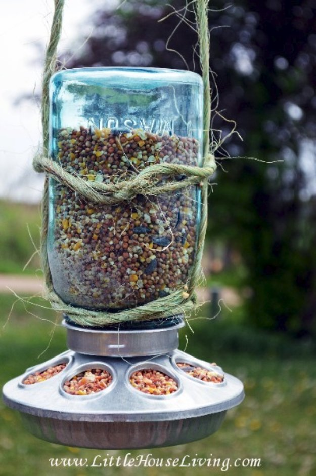 Mason Jar Ideas for Summer - Mason Jar Bird Feeder - Mason Jar Crafts, Decor and Gifts, Centerpieces and DIY Projects With Jars That Are Perfect For Summertime - Fun and Easy Lights, Cool Vases, Creative 4th of July Ideas