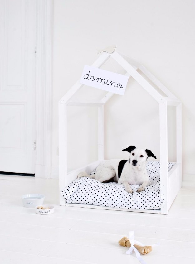 DIY Dog Beds - Minimalist Dog Bed - Projects and Ideas for Large, Medium and Small Dogs. Cute and Easy No Sew Crafts for Your Pets. Pallet, Crate, PVC and End Table Dog Bed Tutorials #pets #diypet #dogs #diyideas