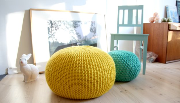 Fabulous DIY Poufs and Ottomans - Puff Daddy Knitted Stool - Step by Step Tutorials and Easy Patterns for Cool Home Decor. Crochet, No Sew, Leather, Moroccan Boho, Knit and Fun Fur Projects and Chair Ideas http://diyjoy.com/diy-floor-poufs