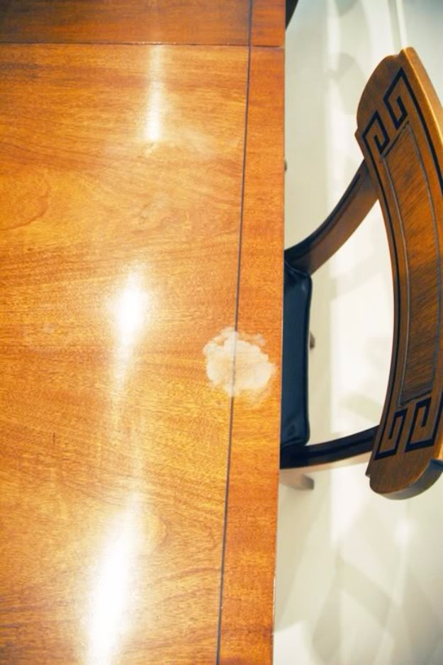 Cleaning Tips and Hacks To Keep Your Home Sparkling. Remove White Heat Marks on Furnitures - Clever Ways to Make DYI Cleaning Easy. Bedroom, Bathroom, Kitchen, Garage, Floors, Countertops, Tub and Shower, Til, Laundry and Clothes