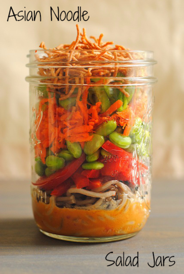 Best Recipes in A Jar - Asian Noodle Salad Jars - DIY Mason Jar Gifts, Cookie Recipes and Desserts, Canning Ideas, Overnight Oatmeal, How To Make Mason Jar Salad, Healthy Recipes and Printable Labels