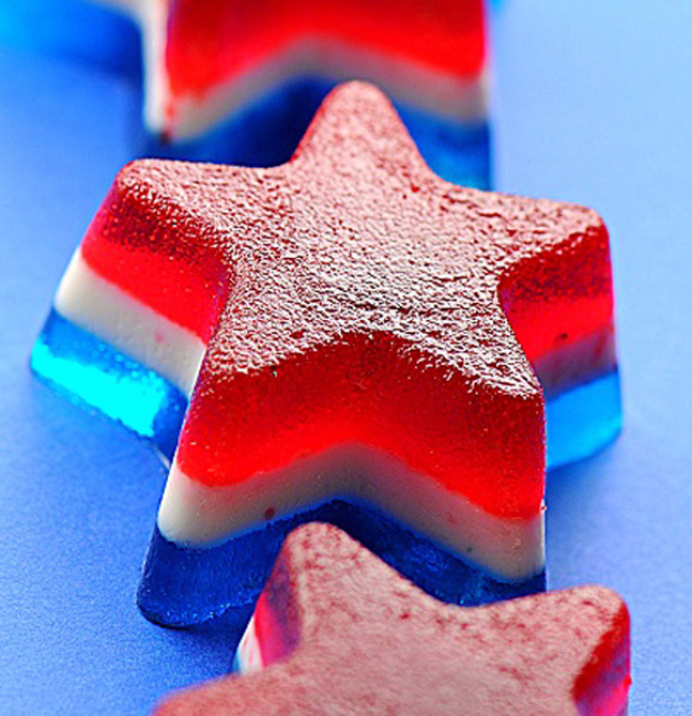 Best Fourth of July Food and Drink Ideas - Bomb Pop Jello Shots - BBQ on the 4th with these Desserts, Recipes and Ideas for Healthy Appetizers, Party Trays, Easy Meals for a Crowd and Fun Drink Ideas