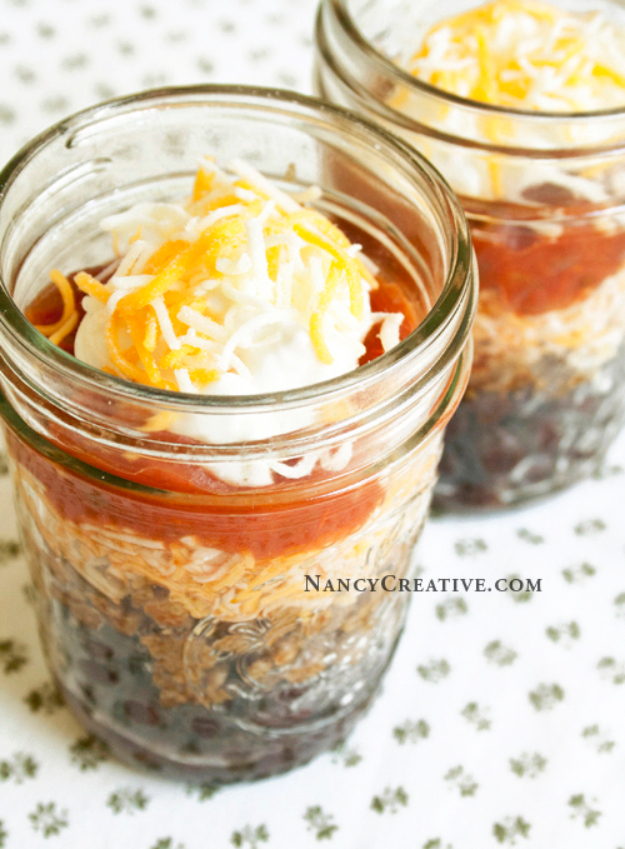 Best Recipes in A Jar - Burrito In A Cup - DIY Mason Jar Gifts, Cookie Recipes and Desserts, Canning Ideas, Overnight Oatmeal, How To Make Mason Jar Salad, Healthy Recipes and Printable Labels