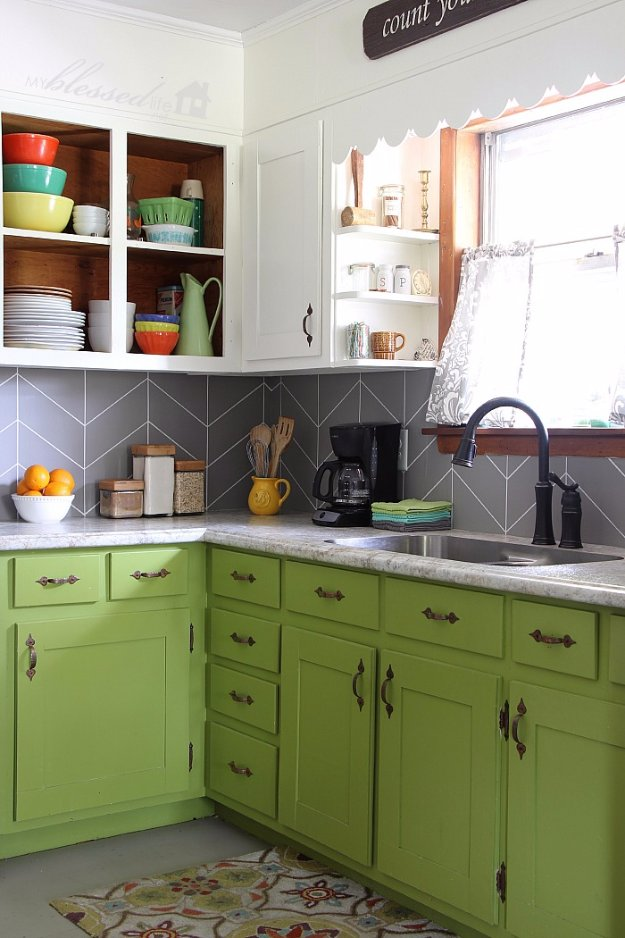 DIY Kitchen Decor Ideas - DIY Herringbone Tile Backsplash - Creative Furniture Projects, Accessories, Countertop Ideas, Wall Art, Storage, Utensils, Towels and Rustic Furnishings http://diyjoy.com/diy-kitchen-decor-ideas