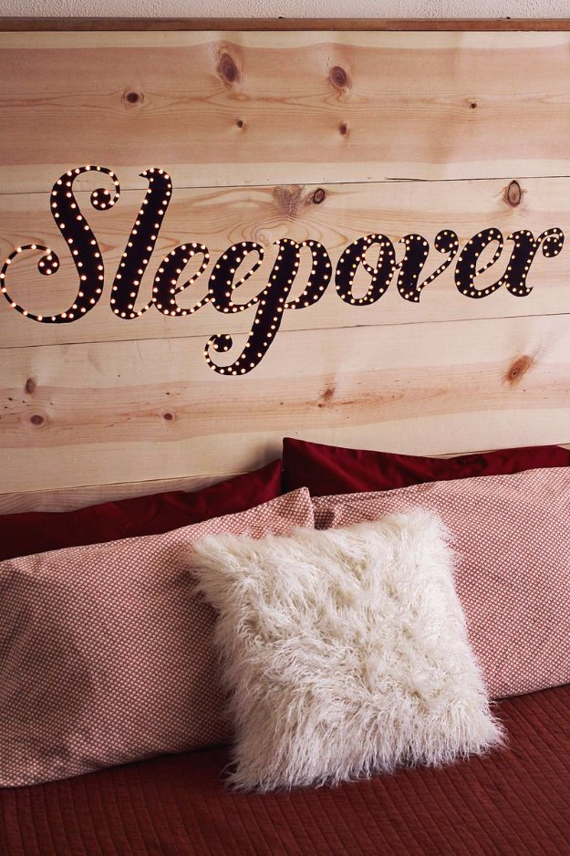 DIY Headboard Ideas - DIY Light Up Headboard - Easy and Cheap Do It Yourself Headboards - Upholstered, Wooden, Fabric Tufted, Rustic Pallet, Projects With Lights, Storage and More Step by Step Tutorials #diy #bedroom #furniture