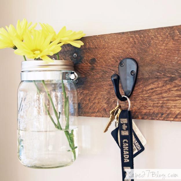 DIY Mason Jar Vases - DIY Mason Jar Vase Key Hooks - Best Vase Projects and Ideas for Mason Jars - Painted, Wedding, Hanging Flowers, Centerpiece, Rustic Burlap, Ribbon and Twine