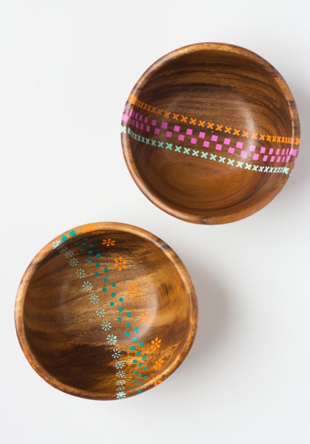 DIY Kitchen Decor Ideas - DIY Painted Wood Bowls - Creative Furniture Projects, Accessories, Countertop Ideas, Wall Art, Storage, Utensils, Towels and Rustic Furnishings #diyideas #kitchenideass
