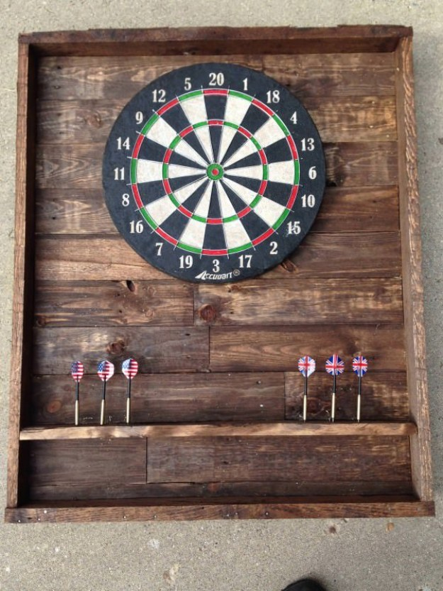 DIY Projects Your Garage Needs - DIY Pallet Dart Board - Do It Yourself Garage Makeover Ideas Include Storage, Organization, Shelves, and Project Plans for Cool New Garage Decor #diy #garage #homeimprovement