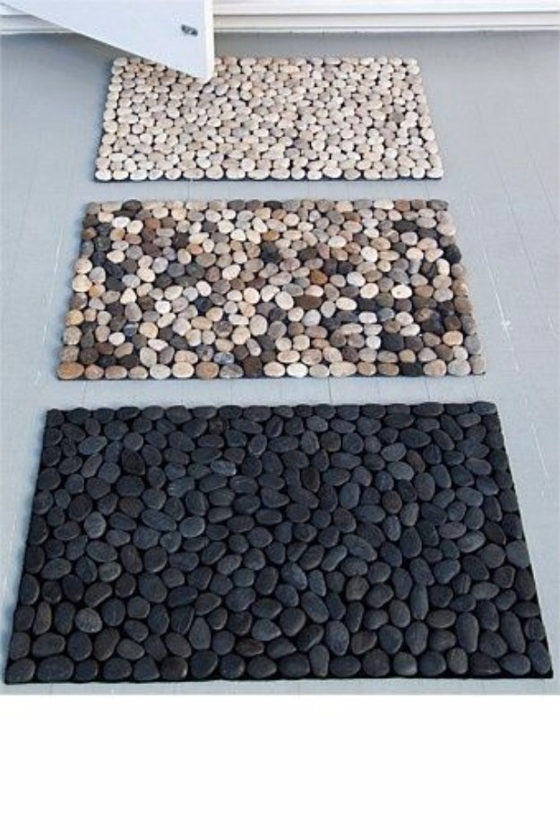 DIY Bathroom Decor Ideas - DIY Pebble Bath Mat - Cool Do It Yourself Bath Ideas on A Budget, Rustic Bathroom Fixtures, Creative Wall Art, Rugs mason jar idea bath diy