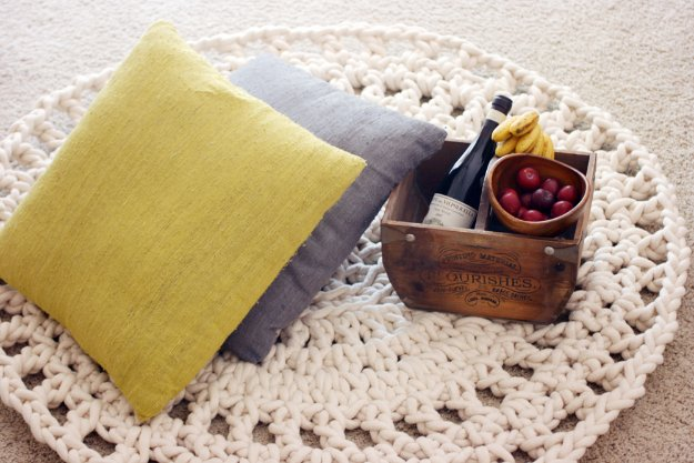 DIY Living Room Decor Ideas - DIY Rope Rug - Cool Modern, Rustic and Creative Home Decor - Coffee Tables, Wall Art, Rugs, Pillows and Chairs. Step by Step Tutorials and Instructions
