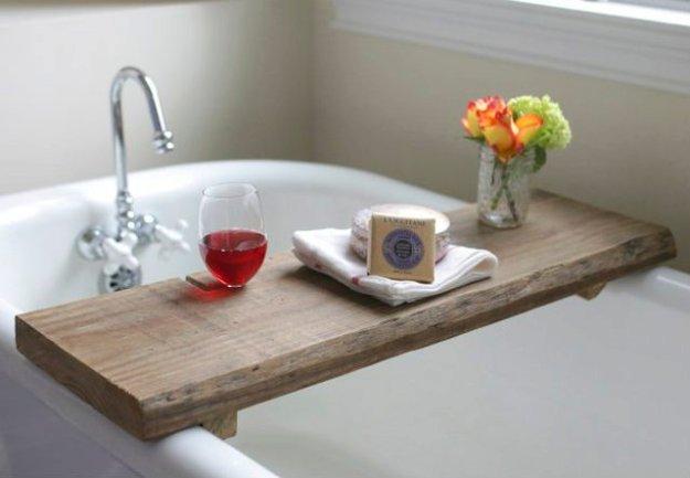 DIY Bathroom Decor Ideas - DIY Rustic Tub Board - Cool Do It Yourself Bath Ideas on A Budget, Rustic Bathroom Fixtures, Creative Wall Art, Rugs mason jar idea bath diy