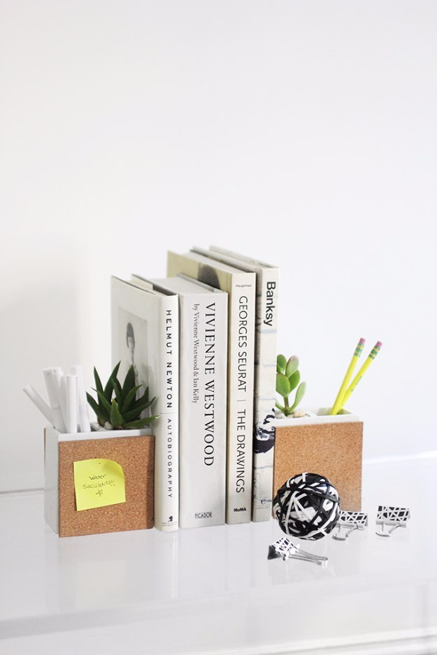 DIY Home Office Decor Ideas - DIY Succulent Bookends - Do It Yourself Desks, Tables, Wall Art, Chairs, Rugs, Seating and Desk Accessories for Your Home Office #office #diydecor #diy
