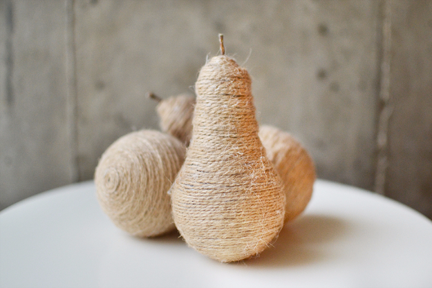 DIY Farmhouse Style Decor Ideas - DIY Twine Light Bulb Pears - Rustic Ideas for Furniture, Paint Colors, Farm House Decoration for Living Room, Kitchen and Bedroom http://diyjoy.com/diy-farmhouse-decor-ideas