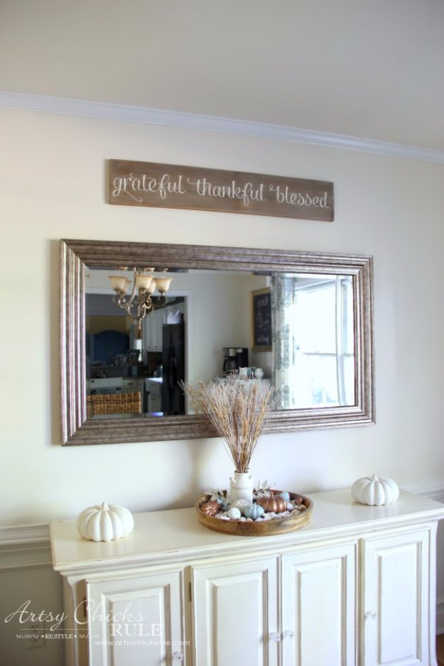 DIY Dining Room Decor Ideas   DIY Weathered Gratitude Sign   Cool DIY  Projects For Table