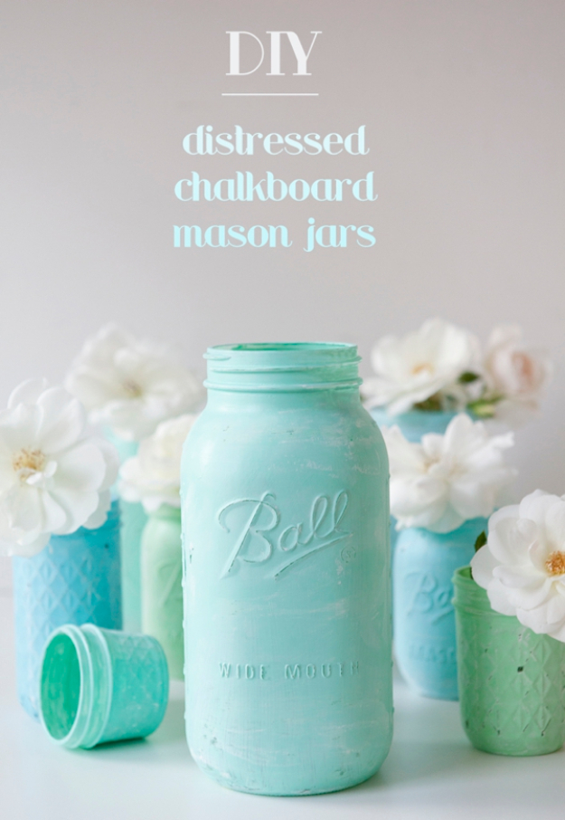 DIY Mason Jar Vases - Distressed Chalkboard Mason Jars - Best Vase Projects and Ideas for Mason Jars - Painted, Wedding, Hanging Flowers, Centerpiece, Rustic Burlap, Ribbon and Twine