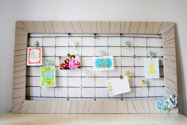 DIY Renters Decor Ideas - Easy Peasy Crib Spring Memo Board - Cool DIY Projects for Those Renting Aparments, Condos or Dorm Rooms - Easy Temporary Wall Art, Contact Paper, Washi Tape and Shelves to Make at Home #diyhomedecor #diyideas