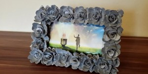 Amazing Egg Carton Floral Picture Frame Is SO Uncanny!