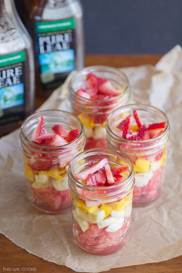 Best Recipes in A Jar - Fresh Fruit Salad - DIY Mason Jar Gifts, Cookie Recipes and Desserts, Canning Ideas, Overnight Oatmeal, How To Make Mason Jar Salad, Healthy Recipes and Printable Labels