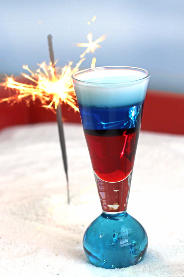 Best Fourth of July Food and Drink Ideas - Layered Shooter Cocktail - BBQ on the 4th with these Desserts, Recipes and Ideas for Healthy Appetizers, Party Trays, Easy Meals for a Crowd and Fun Drink Ideas