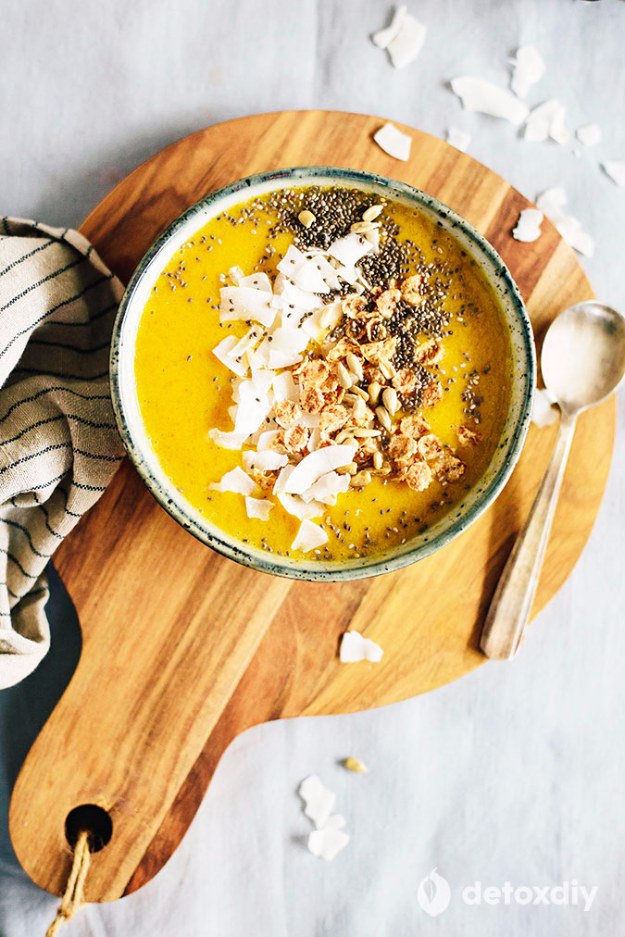 DIY Detox Recipes, Ideas and Tips - Mango and Coconut Smoothie Bowl - How to Detox Your Body, Brain and Skin for Health and Weight Loss. Detox Drinks, Waters, Teas, Wraps, Soup, Masks and Skincare Products You Can Make At Home