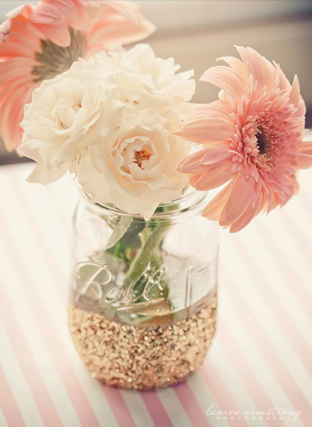 DIY Mason Jar Vases - Mason Jar Dipped In Glitter - Best Vase Projects and Ideas for Mason Jars - Painted, Wedding, Hanging Flowers, Centerpiece, Rustic Burlap, Ribbon and Twine