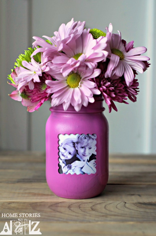 DIY Mason Jar Vases - Mason Jar Picture Frame Vase - Best Vase Projects and Ideas for Mason Jars - Painted, Wedding, Hanging Flowers, Centerpiece, Rustic Burlap, Ribbon and Twine
