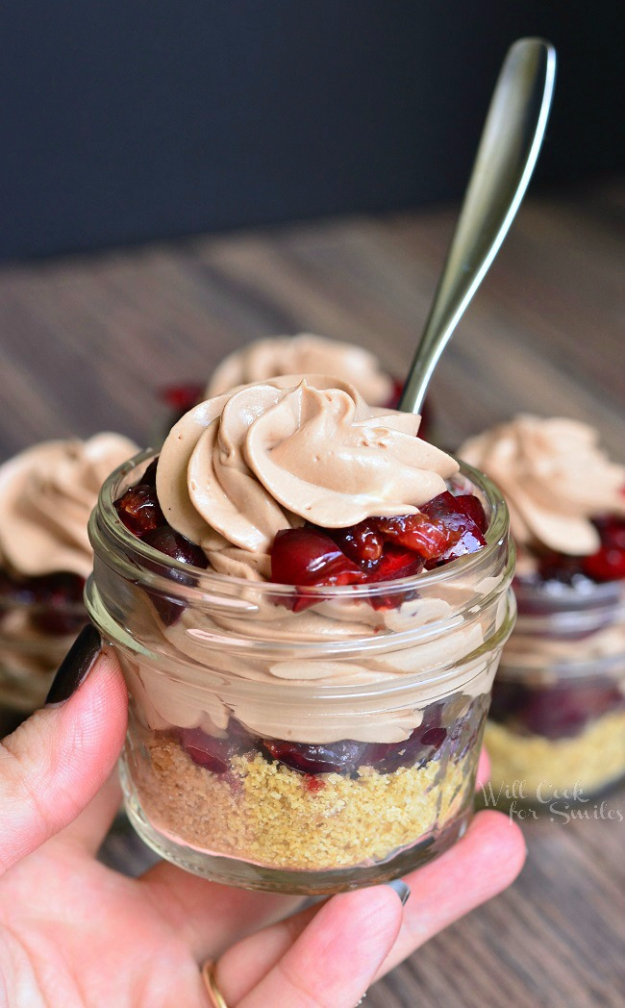 Best Recipes in A Jar - No Bake Chocolate Cherry Cheesecake Pie In A Jar - DIY Mason Jar Gifts, Cookie Recipes and Desserts, Canning Ideas, Overnight Oatmeal, How To Make Mason Jar Salad, Healthy Recipes and Printable Labels