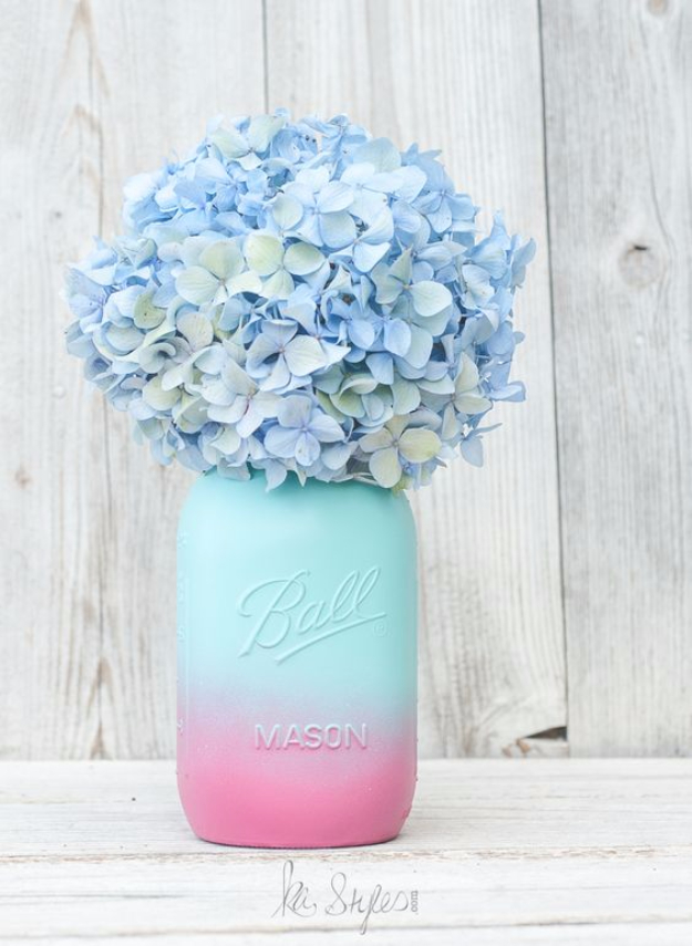DIY Mason Jar Vases - Ombre Painted Mason Jar - Best Vase Projects and Ideas for Mason Jars - Painted, Wedding, Hanging Flowers, Centerpiece, Rustic Burlap, Ribbon and Twine http://diyjoy.com/diy-mason-jar-vases