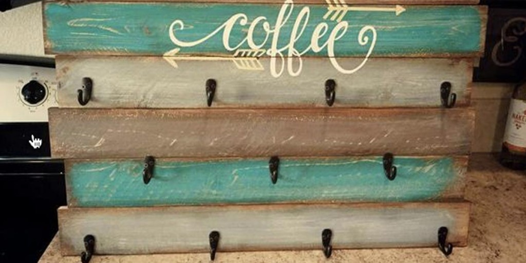 Pallet Projects DYI - DIY Farmhouse Style Decor Ideas - PalletCoffeeCupHolder - Rustic Ideas for Furniture, Paint Colors, Farm House Decoration for Living Room, Kitchen and Bedroom #diy