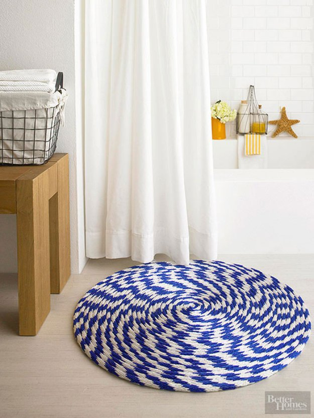 DIY Bathroom Decor Ideas - Rope and Braided Fibers Bathroom Rug - Cool Do It Yourself Bath Ideas on A Budget, Rustic Bathroom Fixtures, Creative Wall Art, Rugs mason jar idea bath diy