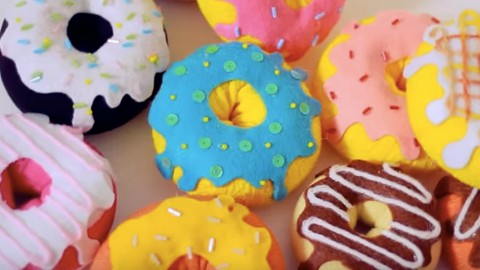 How to Make Sock Donuts | DIY Joy Projects and Crafts Ideas