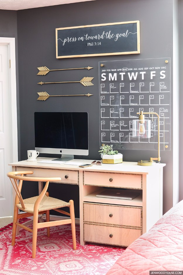 DIY Home Office Decor Ideas - Stylish Acrylic Wall Calendar - Do It Yourself  Desks,