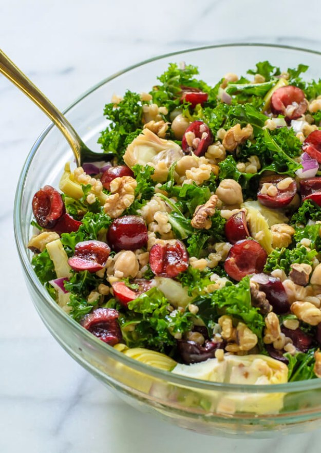DIY Detox Recipes, Ideas and Tips - Super Summer Detox Salad - How to Detox Your Body, Brain and Skin for Health and Weight Loss. Detox Drinks, Waters, Teas, Wraps, Soup, Masks and Skincare Products You Can Make At Home http://diyjoy.com/diy-detox-ideas